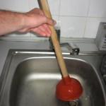 Как прочистить канализационную трубу: эффективные способы