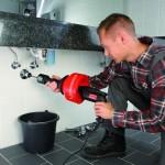 Инструмент для прочистки труб: ручной и механический