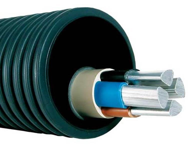 Пластиковая труба под кабель