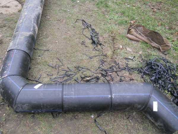 Прокладка напорных полиэтиленовых водопроводных труб по промплощадке
