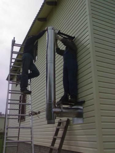 Монтаж дымоходной трубы можно выполнить своими силами