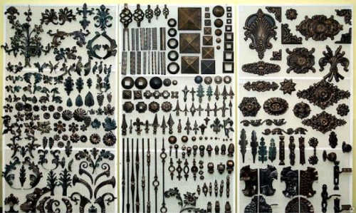 Различные элементы для придания забору индивидуального и эстетичного вида
