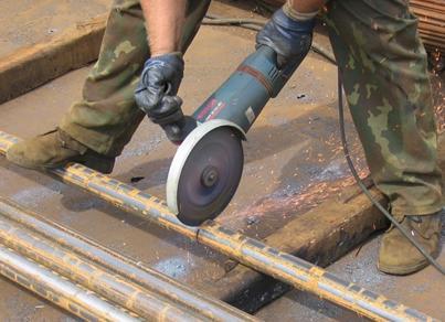 Использование болгарки для нарезки труб