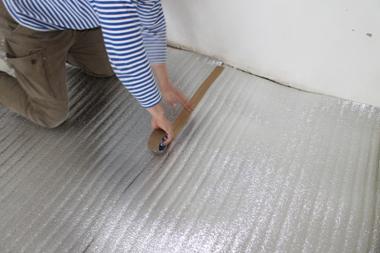 Укладка теплоизоляционного материала