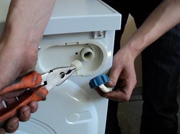 Соединение шланга с входом бытовой техники