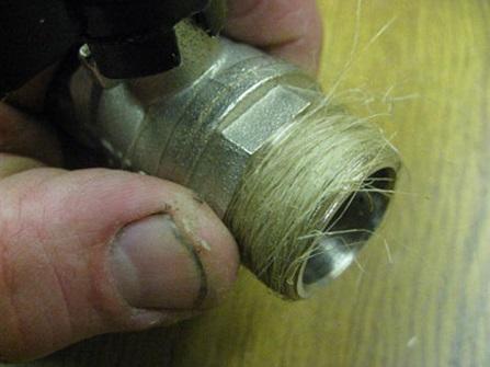 Уплотнение резьбового соединения для устранения протечек