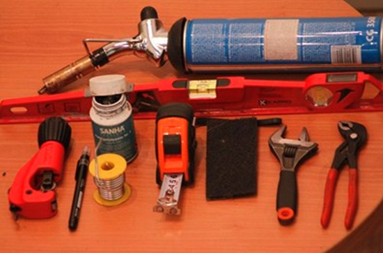 Набор инструментов и приспособлений для пайки