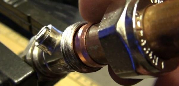 Сборка трубопровода обжимными кольцами