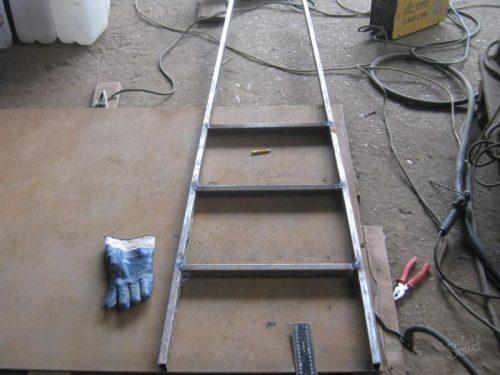 Сборка лестницы сваркой