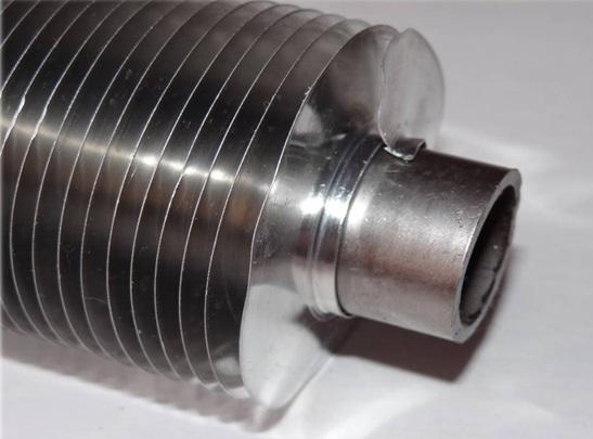 Оребренная труба, изготовленная путем навивки