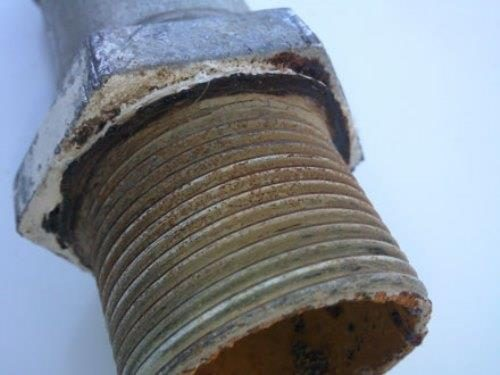 Цилиндрическая резьба на трубе