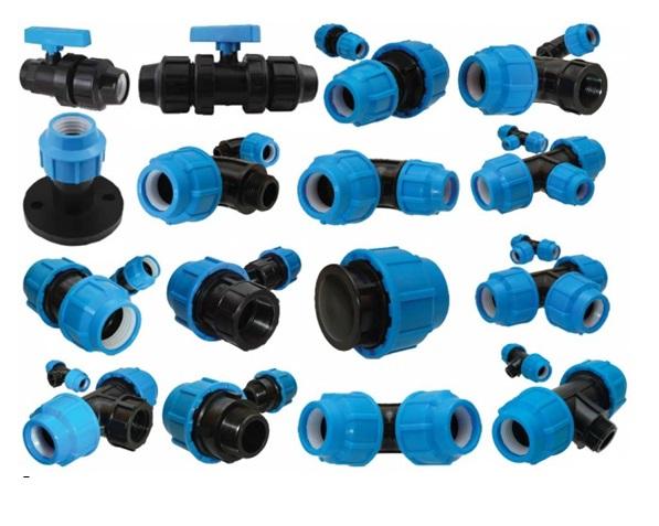 Специальные фитинги для соединения труб из пластика