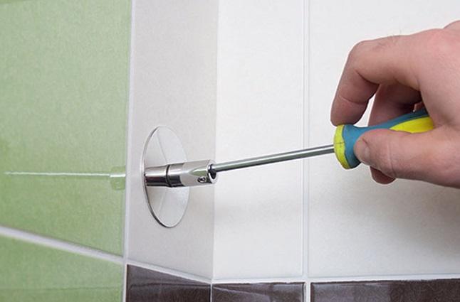 Подготовка к креплению полотенцесушителя к стене