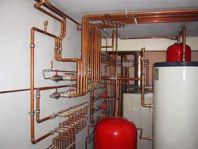 монтаж труб системы отопления