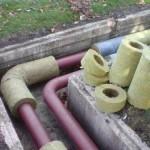 Чем и как утеплить трубы на улице своими руками