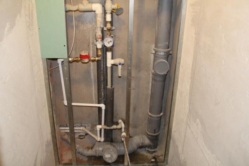 как закрыть канализационные трубы