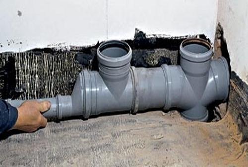 канализационная труба в квартире