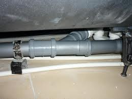 хомут для крепления канализационных труб