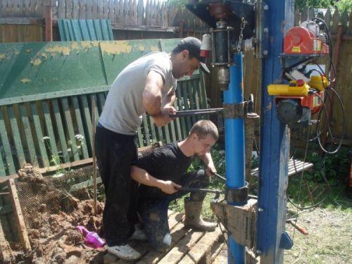 Выполнение обсадки скважины