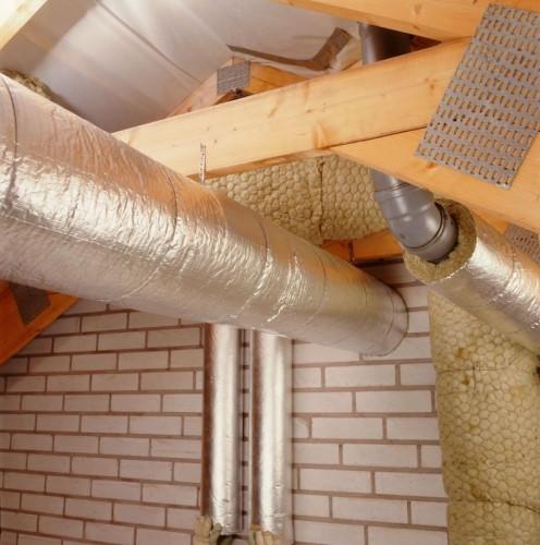 Изоляция отдельных участков дымохода, основанная на правилах пожарной безопасности