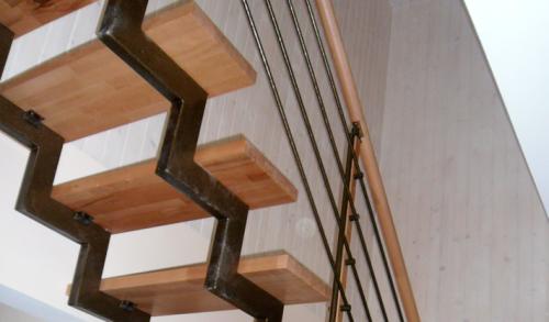 Монтаж лестницы своими руками позволит сэкономить средства