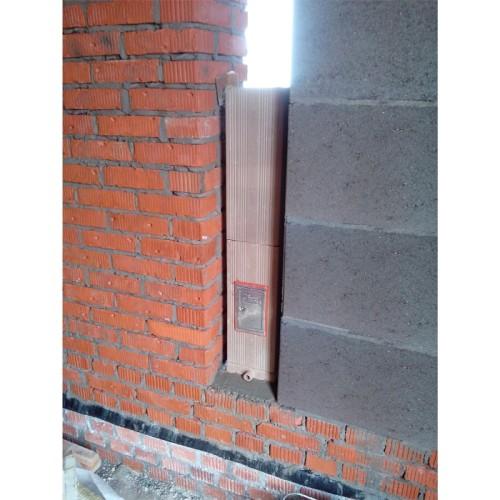 Дымоход, встроенный в стену