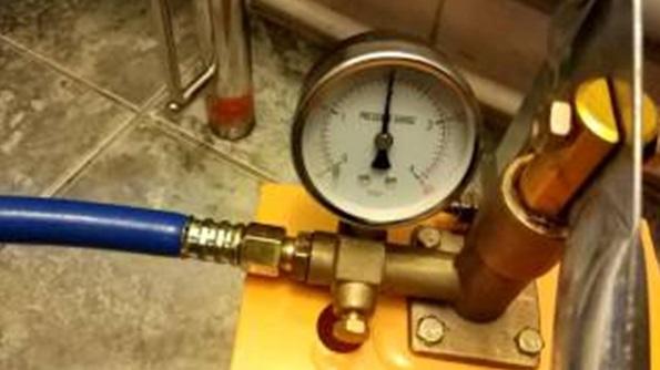 Проверка работоспособности фитинга для ПНД труб
