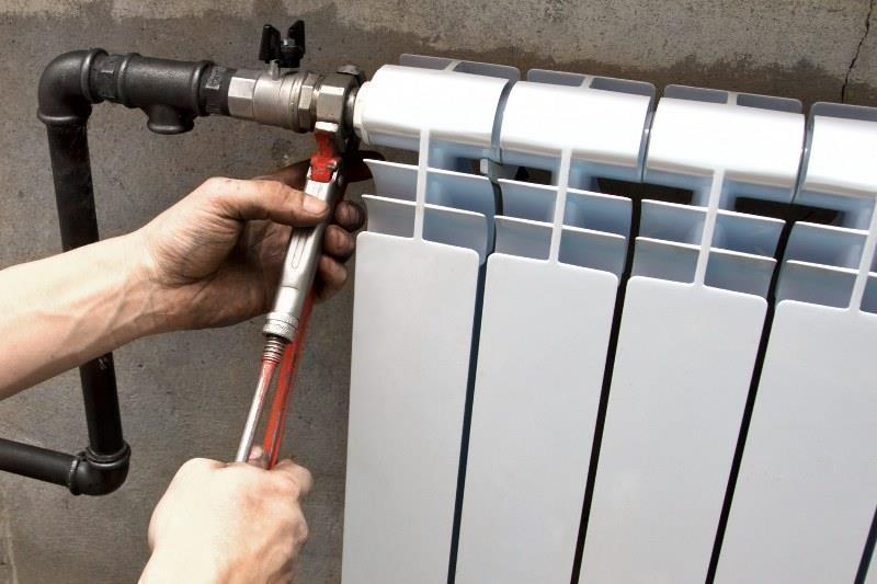 Соединение радиатора с отопительной системой